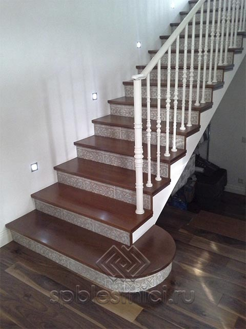 Бетонная лестница в квартиру СПБ