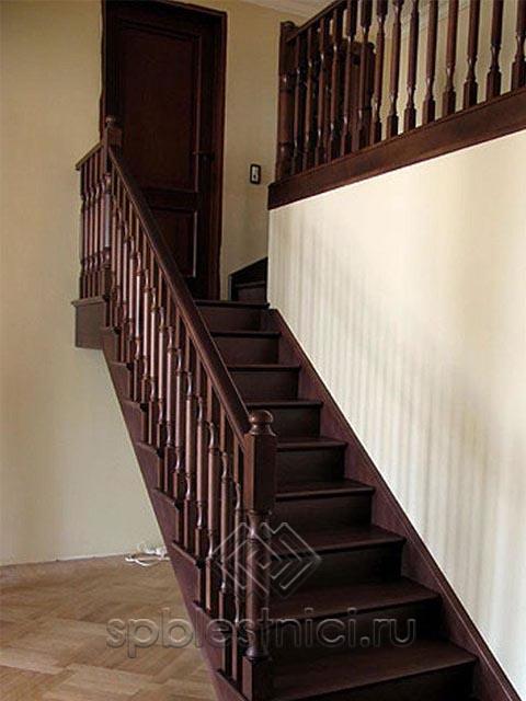 Частное фото деревянных лестниц СПБ