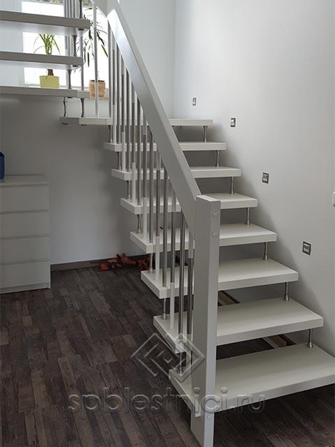 Деревянная лестница купить цена СПБ