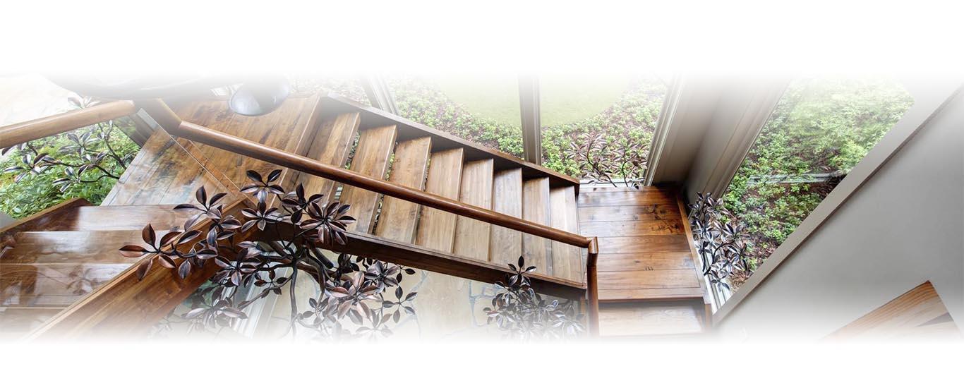 Деревянные лестницы СПБ