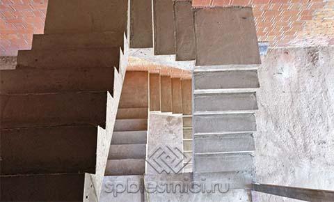 Фото железобетонная лестница в коттедже