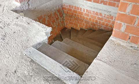 Фото бетонная лестница в жилом комплексе