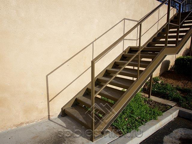 Изготовление металлических лестниц на заказ в СПБ