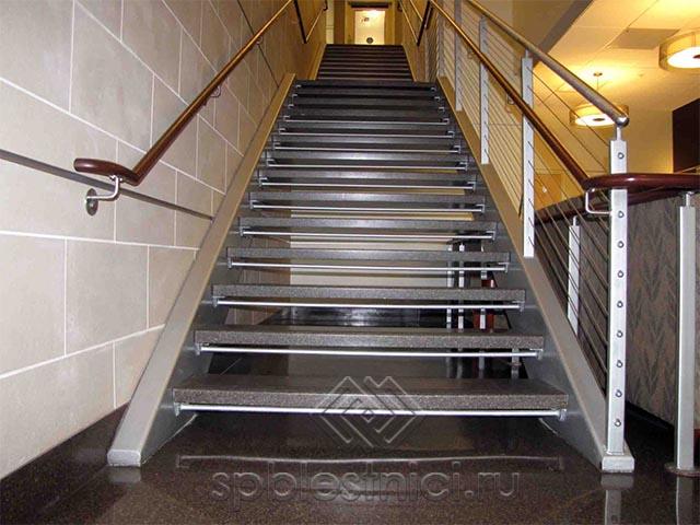 Как рассчитать металлическую лестницу в Санкт Петербурге