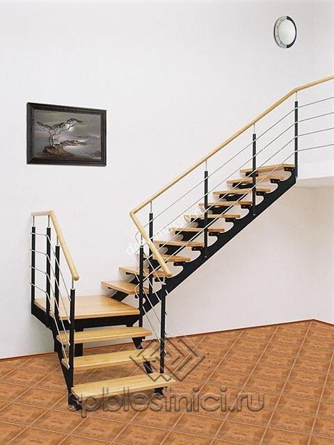 Лестница межэтажная металлическая в Санкт Петербурге