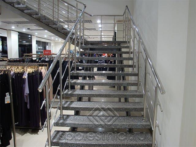 Лестница в магазин металлическая Санкт Петербург