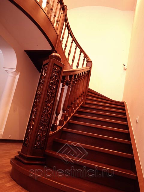 Лестницы деревянные недорого СПБ