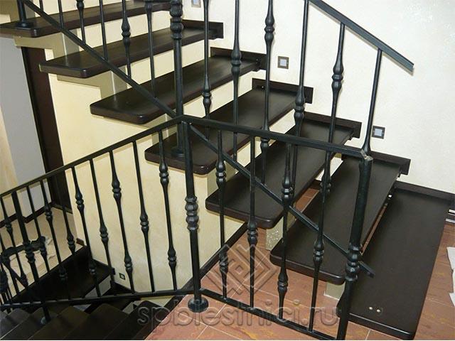Металлическая лестница на второй этаж СПБ
