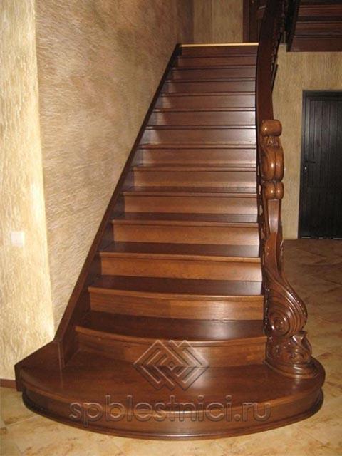 Монтаж деревянной лестницы в Питере