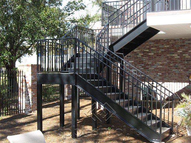 Проектирование металлических лестниц в Санкт Петербурге