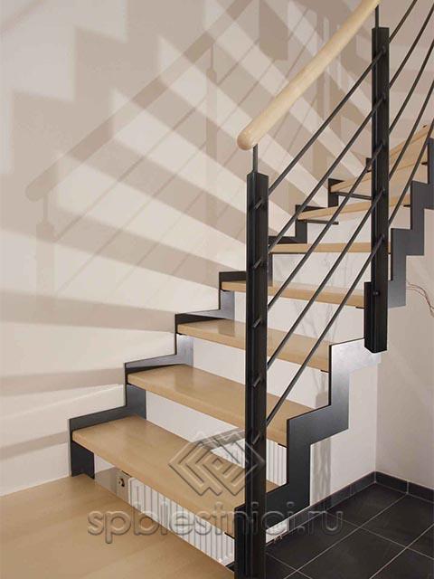 Стоимость металлической лестницы в СПБ