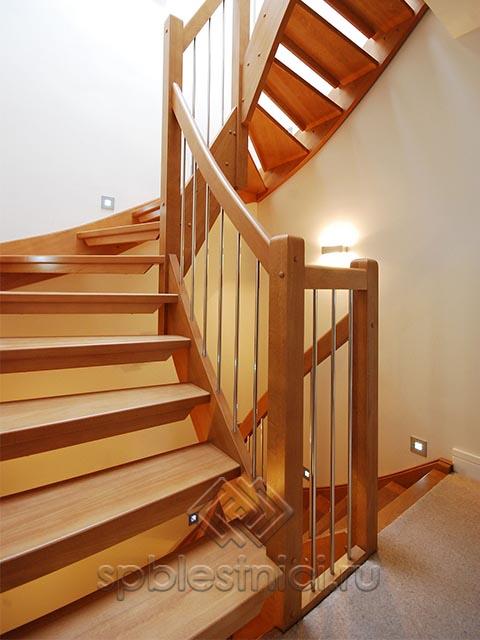 Заказать проект деревянной лестницы СПБ