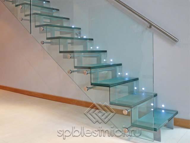 Лестницы стеклянные в Санкт Петербурге